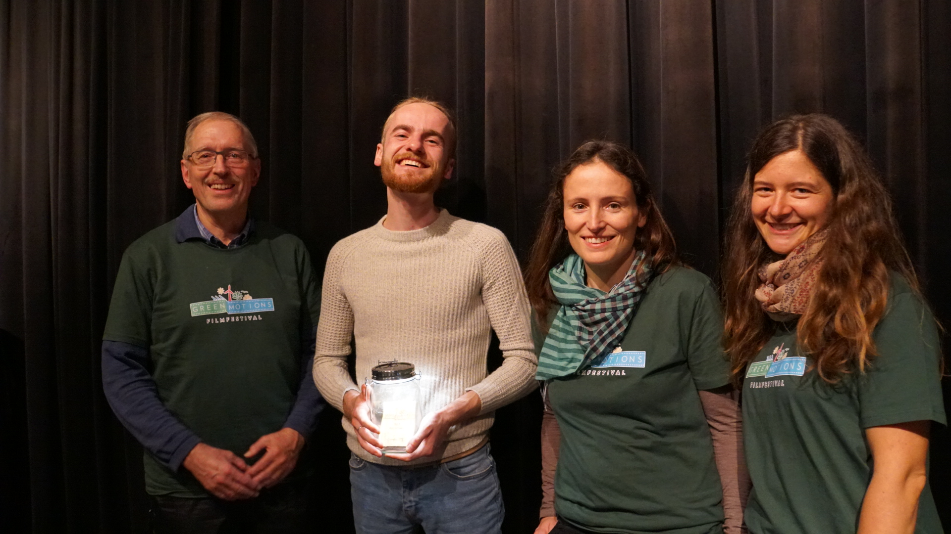 Georg Löser (Ecotrinova e.V.), Kurzfilmwettbewerbsgewinner Ignat Kachan (Under the Canopy of trees), Julie Elbert & Daniela Schaffart (Greenmotions e.V.)